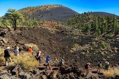 Vulcão da cratera do por do sol fotos de stock royalty free