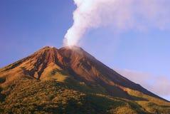 Vulcão de Arenal Fotografia de Stock Royalty Free