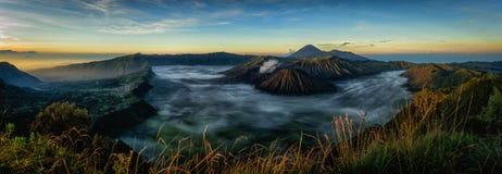Vulcão de Bromo da montagem durante o nascer do sol Imagem de Stock Royalty Free