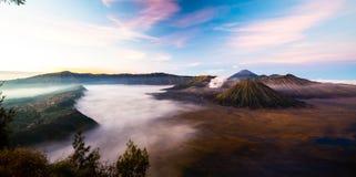 Vulcão de Bromo durante o nascer do sol Fotos de Stock
