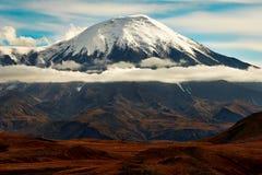 Vulcão de Kamchatka, Rússia fotografia de stock