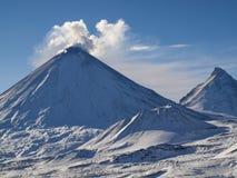 Vulcão de Klyuchevskoi Fotos de Stock Royalty Free