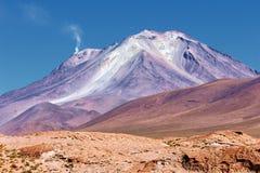 Vulcão de Ollague, vista do leste, Bolívia fotos de stock royalty free