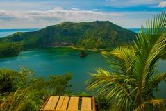 Vulcão de Taal em Tagaytay, Filipinas foto de stock