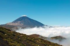 Vulcão de Teide em um dia ensolarado Fotos de Stock Royalty Free