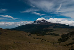 Vulcão do covere da neve Fotografia de Stock