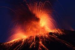 Vulcão Pacayaerupting da erupção de Strombolian Imagem de Stock Royalty Free
