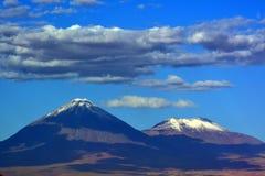 Vulcões no deserto de Atacama imagens de stock royalty free