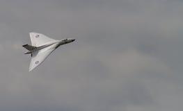 Vulcan bombowiec w locie fotografia royalty free