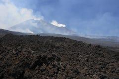 vulcan etna liggande Arkivfoto