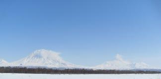 Vulcani di Kamchatka fotografie stock libere da diritti