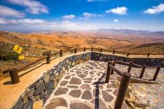 Vulcaniclandschap van Fuerteventura-Eiland van de meningspunt van Morro Velosa dichtbij Betancuria dorp Stock Fotografie