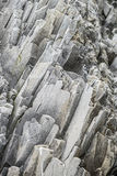 Vulcanicrots in Reynisdrangar, IJsland Stock Foto's