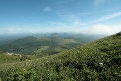 Vulcano antiguo en Auvergne Fotos de archivo