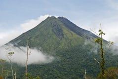 Vulcano Arenal in Costa Rica fotografie stock libere da diritti