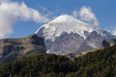 Vulcano de Lanin em um dia ensolarado Imagem de Stock Royalty Free