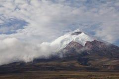 Vulcano del Cotopaxi nell'Ecuador Fotografie Stock