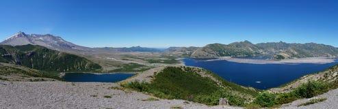 Vulcano del Monte Sant'Elena e lago spirit 35 anni dopo l'eruzione Immagini Stock Libere da Diritti