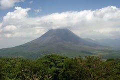 Vulcano di Arenal in Costa Rica Immagini Stock