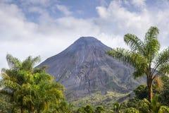 Vulcano di Arenal da Costa Rica Fotografia Stock Libera da Diritti