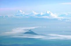 Vulcano di Mayon su aria Fotografie Stock