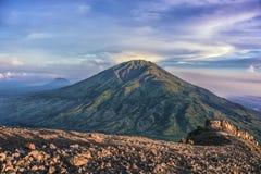 Vulcano di Merbabu in Java Immagini Stock