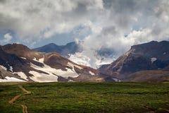 Vulcano di Mutnovsk, Kamchatka fotografie stock