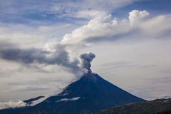 Vulcano di Tungurahua fotografie stock libere da diritti