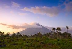 Vulcano montering Mayon i Filippinerna Royaltyfri Foto