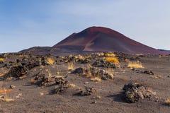 Vulcano non specificato e estinto sul Kamchatka, Russia fotografia stock