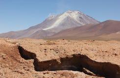 Vulcano sul Altiplano della Bolivia immagini stock