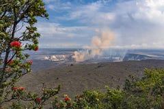 Vulcão do Caldera de Kilauea na ilha grande Havaí Fotografia de Stock Royalty Free