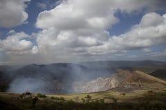 Vulkaan in de hemel stock afbeelding