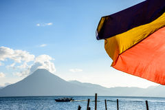 Vulkaan & paraplu, Meer Atitlan, Guatemala Stock Foto