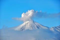 Vulkaan in Rusland Stock Afbeeldingen