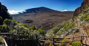 vulkan för de fournaise laringbult royaltyfri foto