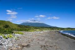 vulkan för tyatya för ökunashir kurily royaltyfria foton