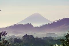 Vulkan in Guatemala stockfotografie