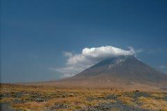 Vulkan Lengai in Tanzania, Afrika Stockbild