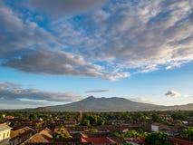 Vulkan Mombacho in dichtbijgelegen van Granada Royalty-vrije Stock Foto's