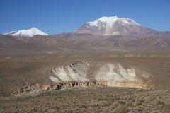 Vulkan på Altiplanoen av nordliga Chile Royaltyfri Bild