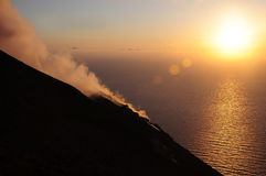Vulkan Stromboli. stockbild