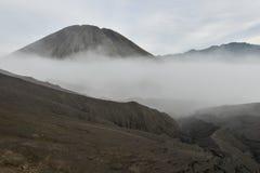 Vulkanische Asche der Schicht als Sandboden des Bergs Bromo stockfoto