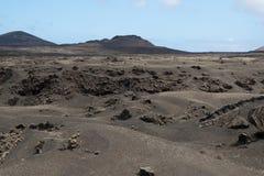Vulkanische bergen en kraters op Lanzarote Stock Foto