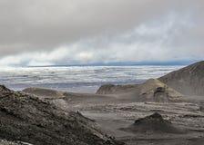 Vulkanische Bildungen, Berge, schlechte Moosvegetation und Gletschergletscher, Kverkfjoll, Hochländer von Island, Europa stockfotografie