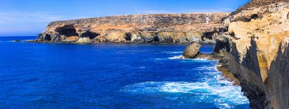 Vulkanische Fuerteventura-Insel - natürliche Höhlenbildungen in Ajuy Kanarische Inseln lizenzfreie stockfotos