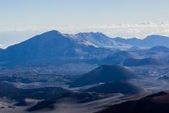 Vulkanische krater bij het Nationale Park van Haleakala op het Eiland Maui, Hawaï Royalty-vrije Stock Foto's