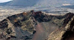 Vulkanische krater op Lanzarote Stock Afbeelding