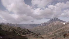 Vulkanische Landschaft von Kamchatka stock video