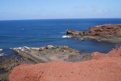 Vulkanische rotsen op de Atlantische Oceaan Stock Foto's